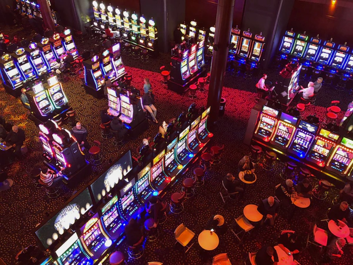 Casino Basics 6 Reasons Why You Should Play Online